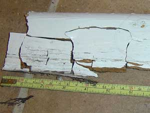 Large cubes indicate Dry Rot, rather than a Wet Rot